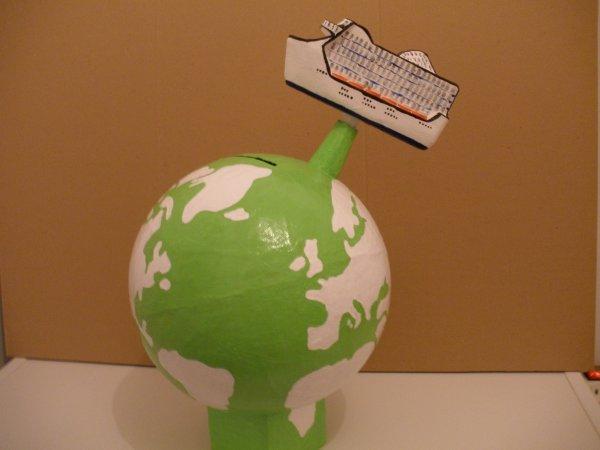 urne globe avec bateau