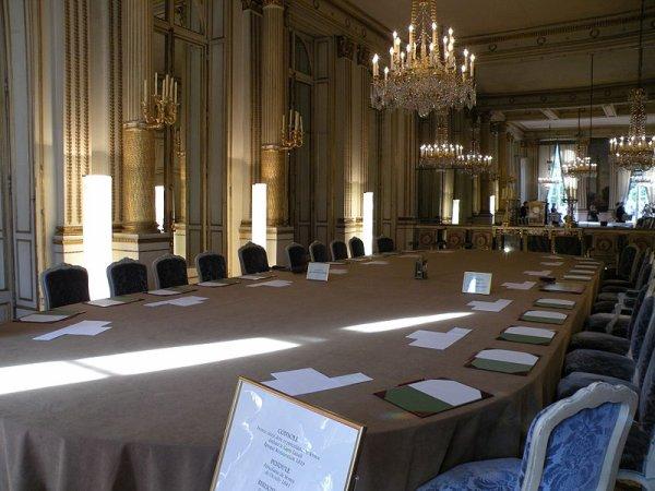 Le palais de l 39 lys e le blog sur l 39 histoire for Salon a la francaise