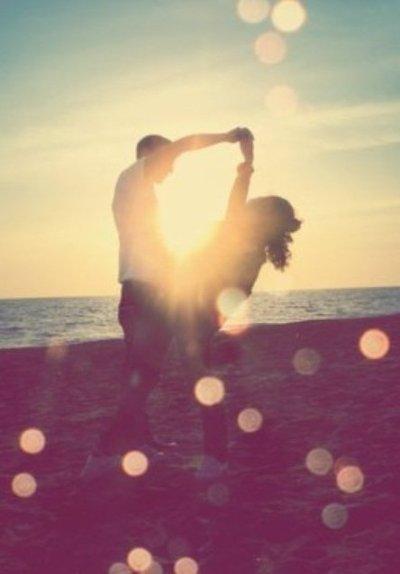 → Summer romance. <3
