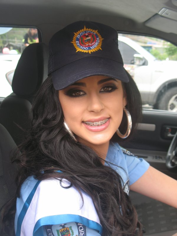 caravana  de los cuerpos de seguridad de tovarat 10:48 PM