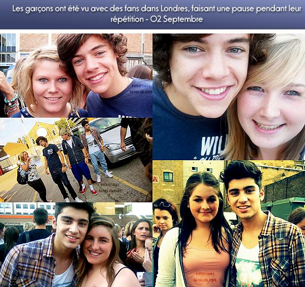 Les garçons avec leurs fans dans Londres