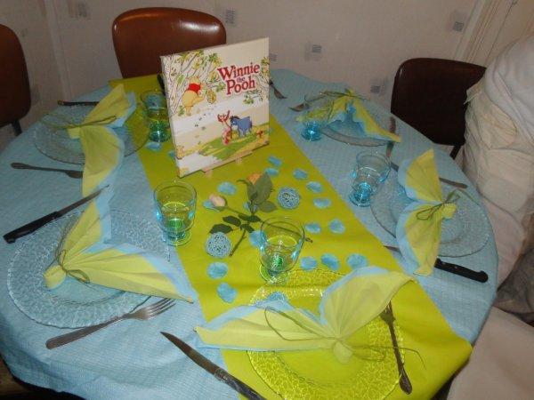 Deco De Bapteme Winnie L Ourson Table De Lit