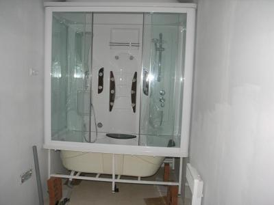 71 la baignoire douche enfin la maison. Black Bedroom Furniture Sets. Home Design Ideas