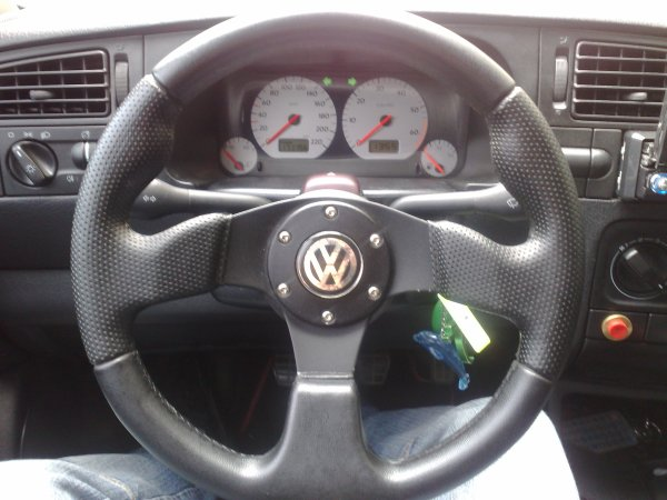 Ma golf 3 avant de l 39 int rieur 1 blog de golfin16 for Interieur golf 3 vr6
