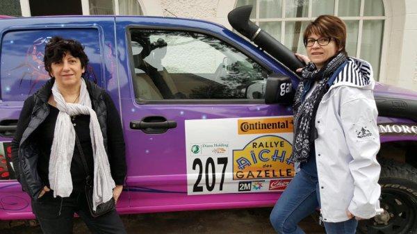 nos 2 Gazelles Delphine et Dominique sur le départ du Rallye Aycha des Gazelles 2016 Team 207 vous êtes page 24