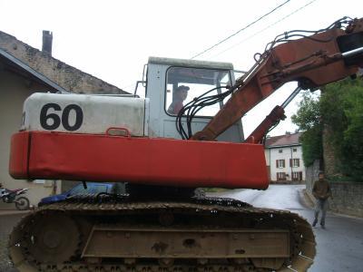 Pelle poclain 60 founfounblog for Porte char 60 tonnes
