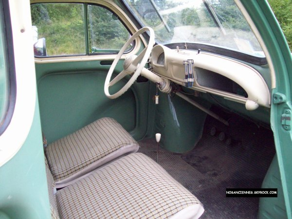 Renault 4 cv interieur blog de nosanciennes for Interieur 4cv