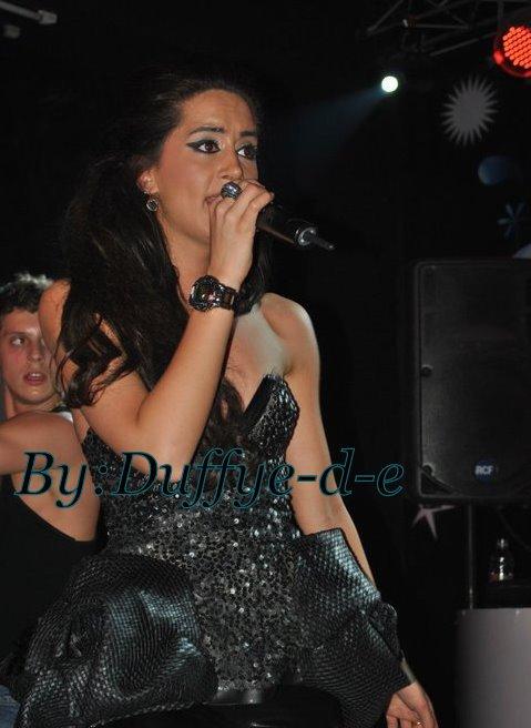 Dafina Zeqiri foto nga koncerti ne Tirane Venue Club