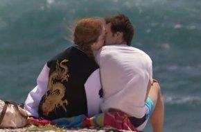 Léa & Jonas < Premier baiser