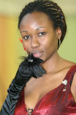 4420 : <b>Annie Nicolo</b> : chef de choeur, professeur, chanteuse interprète - 704891256_small