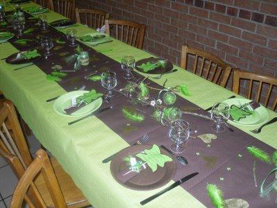 Deco table vert pomme marron blog de elonao2711 - Decoration chambre marron et vert ...