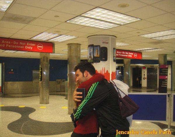 @Jen y Me à l'aéroport de Miami @ Mon plus beau rêve ! @
