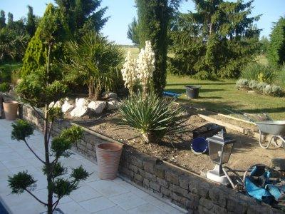 cr ation d 39 une nouvelle rocaille a proximit de la nouvelle terrasse amenagement jardin et. Black Bedroom Furniture Sets. Home Design Ideas