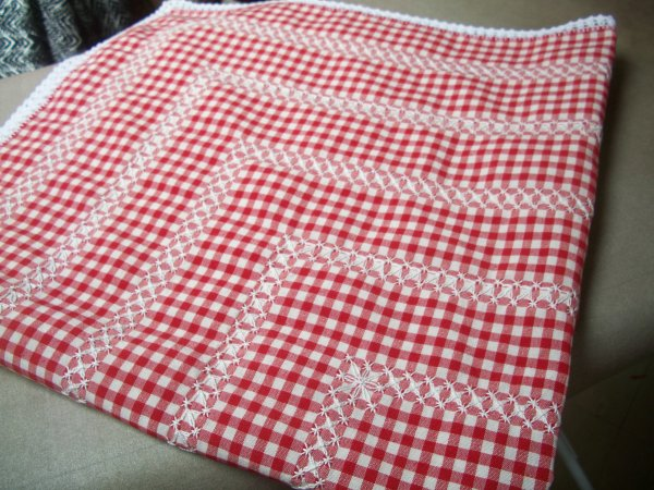 broderie suisse et nappe � th�