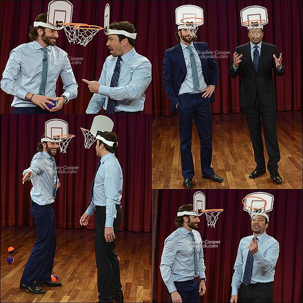"""13/05/13 : Bradley �tait pr�sent dans le talk-show """"Late Night With Jimmy Fallon"""" � Rockefeller Center. Comme vous pouvez voir Bradley a un panier de basket sur la t�te ! Vous comprendrez quand vous regarderai la vid�o en dessous !"""