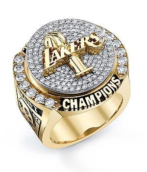 NBA : Les Lakers recoivent leur bague de champions ... Jabari Parker Lebron James