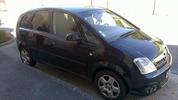 A vendre Opel Meriva de 2007 ,124000 KM en parfait �tat 4500 � A DEBATTRE Di�sel, vitre �lectrique, climatisation; pneus neufs a l'avant  cause d�c� Le contr�le technique se fera avant la vente