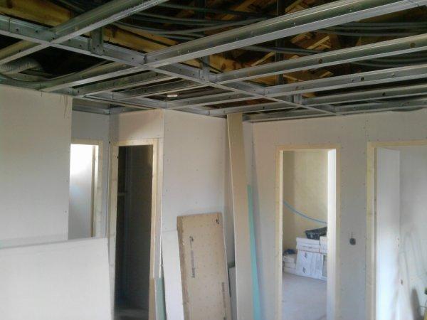 Faux plafond et cloisons ba13 jp services for Plafond placoplatre ba13