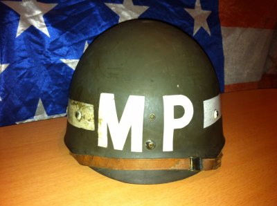 casque mp ( military police ) origine ?? seconde ? apres ?