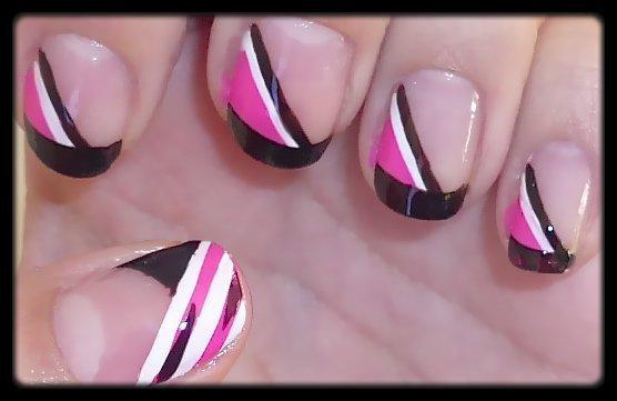 Nail Art Rose Noir et Blanc