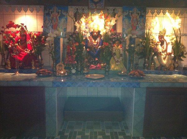 Vishnou,Bhrama et la déese.