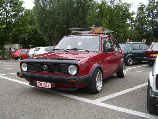 Hello, voici ma premi�re VW Golf Mk1