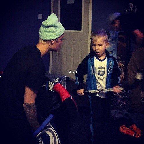 Photos de Justin (suite) + Photos postées sur Instagram et Fahlo