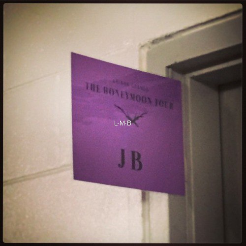 Photos de Justin (suite) + Photos et post ajoutés sur Instagram, Shots of me et Fahlo