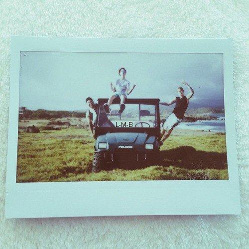 Photos de Justin (suite) + Post et photos ajoutés sur Fahlo