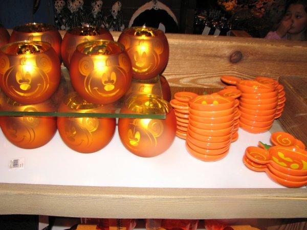 Disneyland 26 septembre 2010 - photophore et coupelle