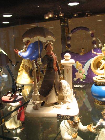 Disneyland 19 décembre 2010 - Figurines WDCC et Lenox