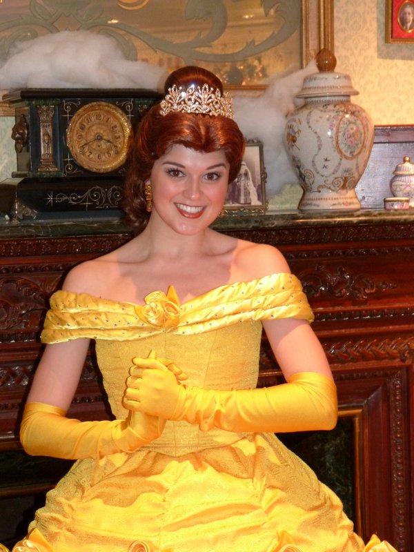 Disneyland 31 décembre 2010 - Belle au DLH