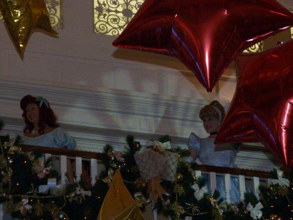 Disneyland 31 décembre 2010 - Belle et Tiana au DLH