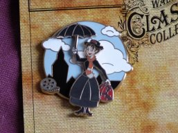 2 ans - Pin's Mary Poppins