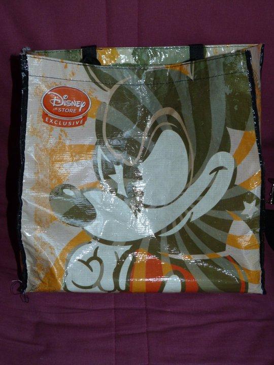 Disney Store - pin's et sac