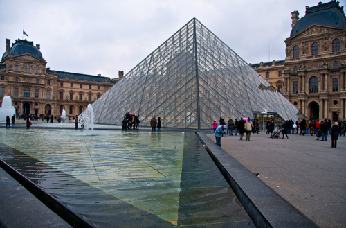 Articles de dessinsagogo55 tagg s pyramide du louvre du bout de - Construction pyramide du louvre ...