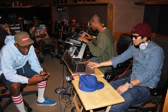 Pharrell en studio avec Tyler The Creator & Left Brain - 11 mars 2011 + en studio avec Buddy - mars 2011