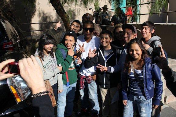 """Pharrell - """"Deserve Dignity"""" Expo Photo pour la journée internationale des Droits de l'Homme - Hollywood, CA - 10 décembre 2011"""