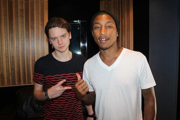 Pharrell sur l'album de Conor Maynard