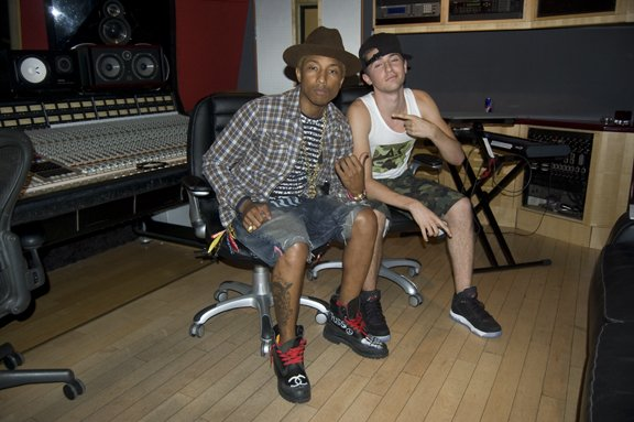 Pharrell - Studio avec CJ Holland - 28 juillet 2012