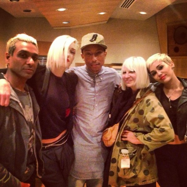 Pharrell en studio avec ... -  14 avril 2013