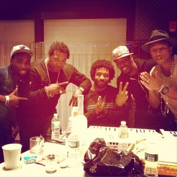 Pharrell en studio avec ... - 14 décembre 2013