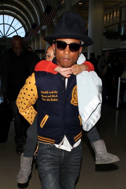 Pharrell - LAX Airport - 7 avril 2014