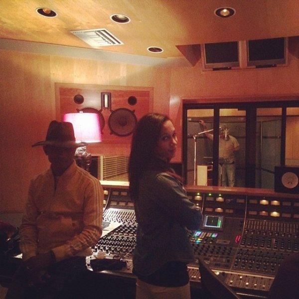 Pharrell en studio avec ... - Los Angeles - 9 mai 2014