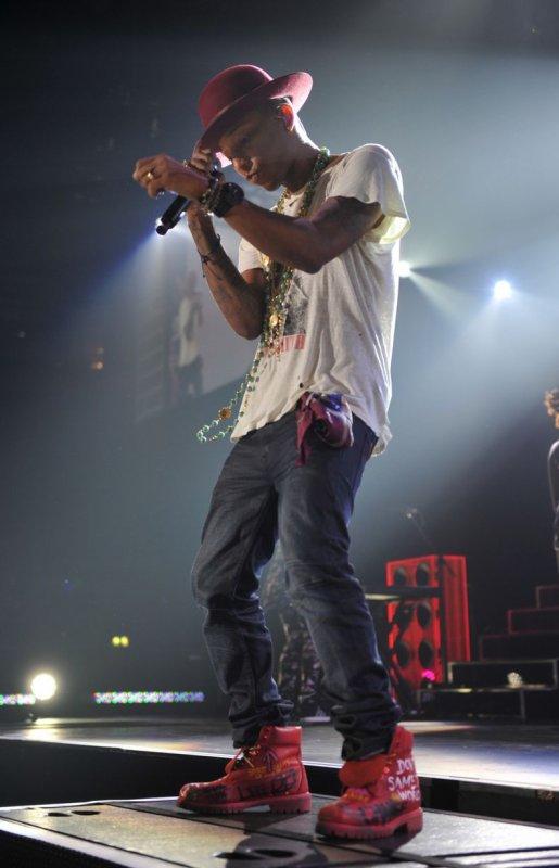 Pharrell & The Baes - The Dear G  I  R  L Tour - Manchester -  9 septembre 2014