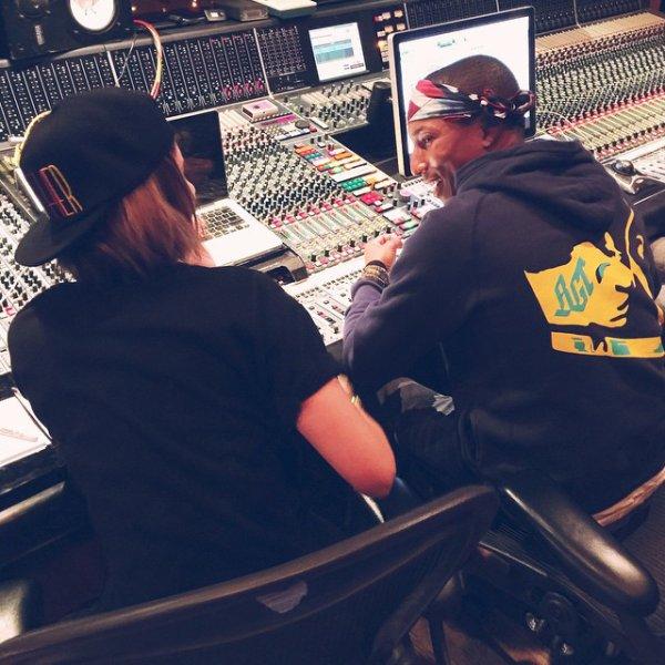 Pharrell en studio avec... - Novembre 2014