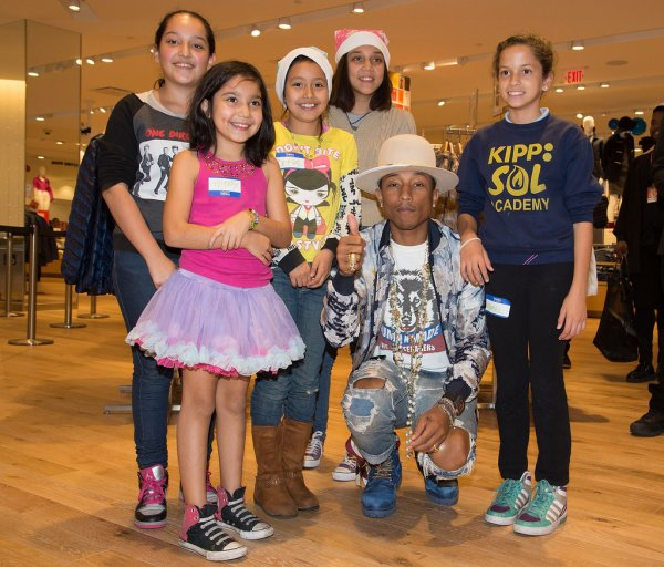 Pharrell - Charity Shopping Event - Los Angeles - 9 décembre 2014