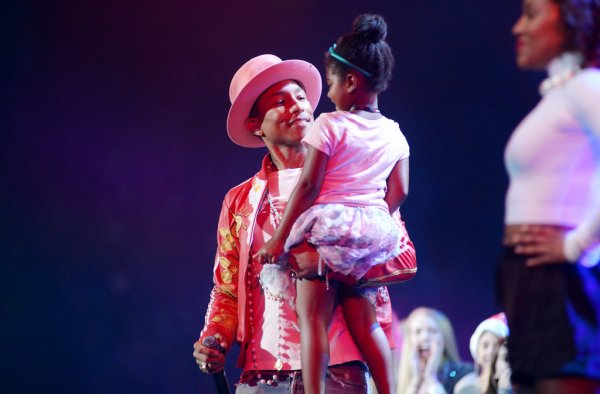 Pharrell - FLZ's Jingle Ball Show - Tampa, FL - 22 décembre 2014