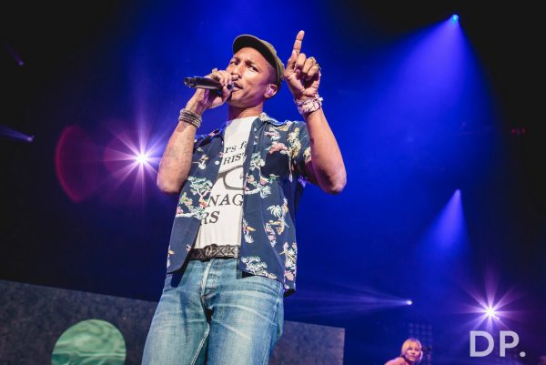 Pharrell & The Baes - Dear G  I  R  L Tour 2.0 - First Direct Arena - Leeds, Royaume-Uni - 12 juin 2015