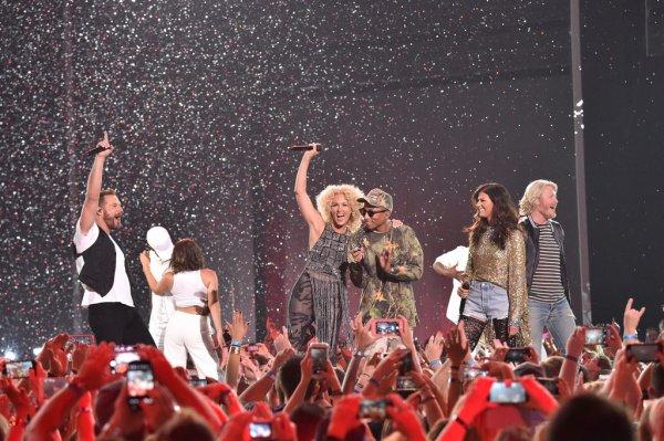 Pharrell & Little Big Town - 2016 CMT Music Awards - Nashville - 8 juin 2016